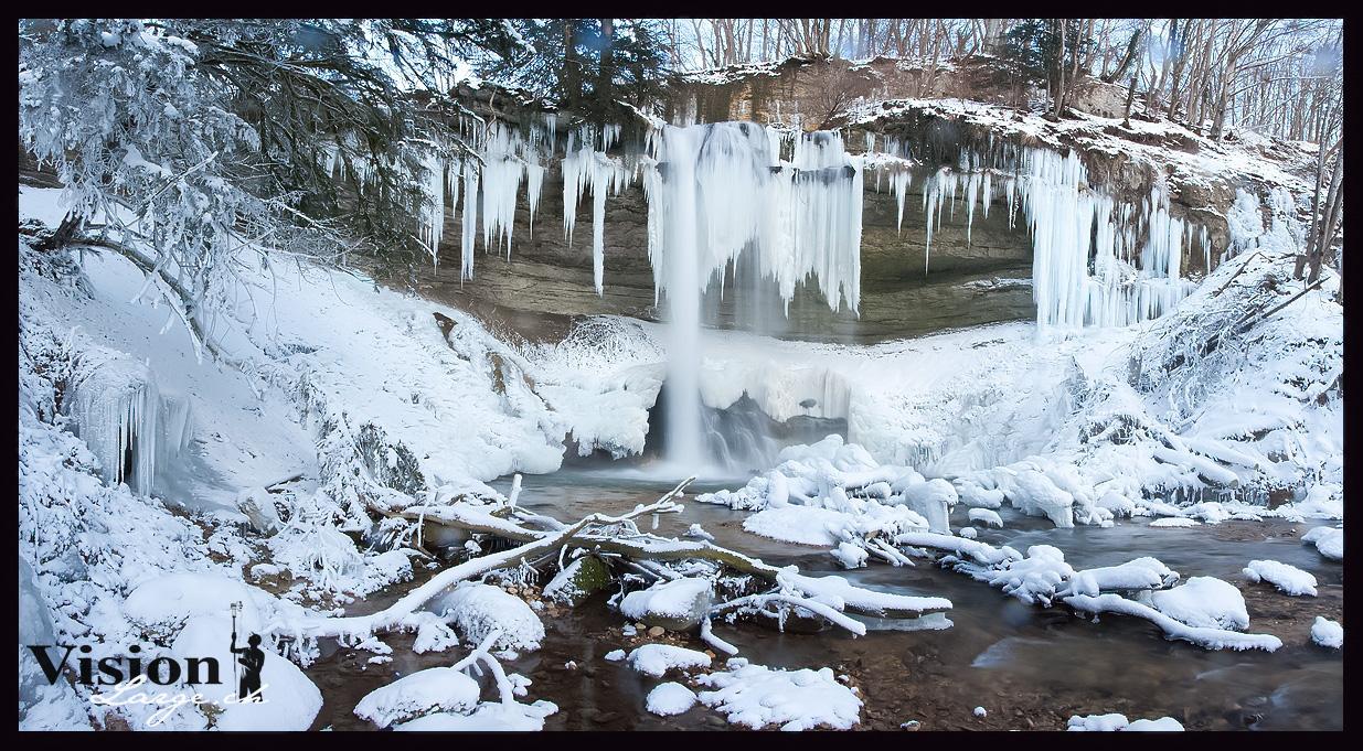 Cascade du Dard gelée