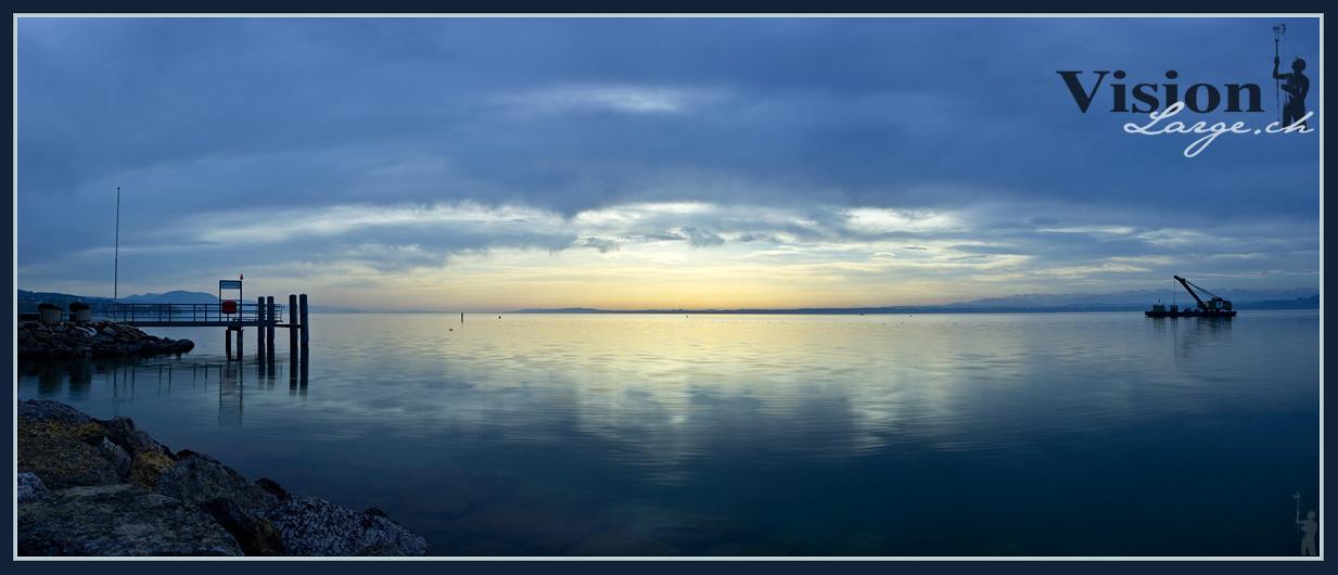Panorama du lac de Neuchâtel